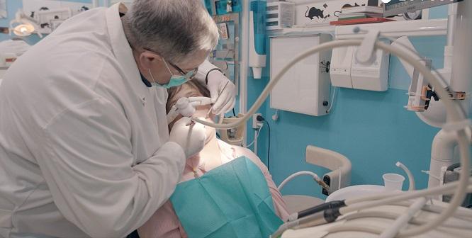 Dentista en Madrid, consejos prácticos para elegirlo